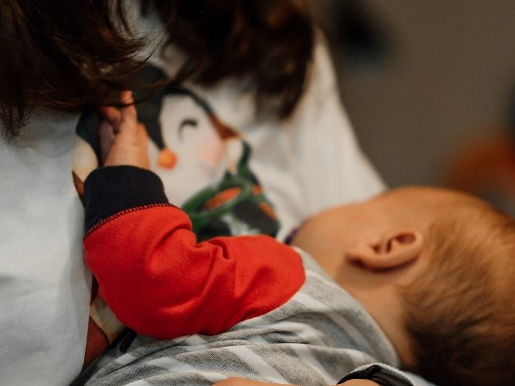 Breastfeeding Positions For Large Breast