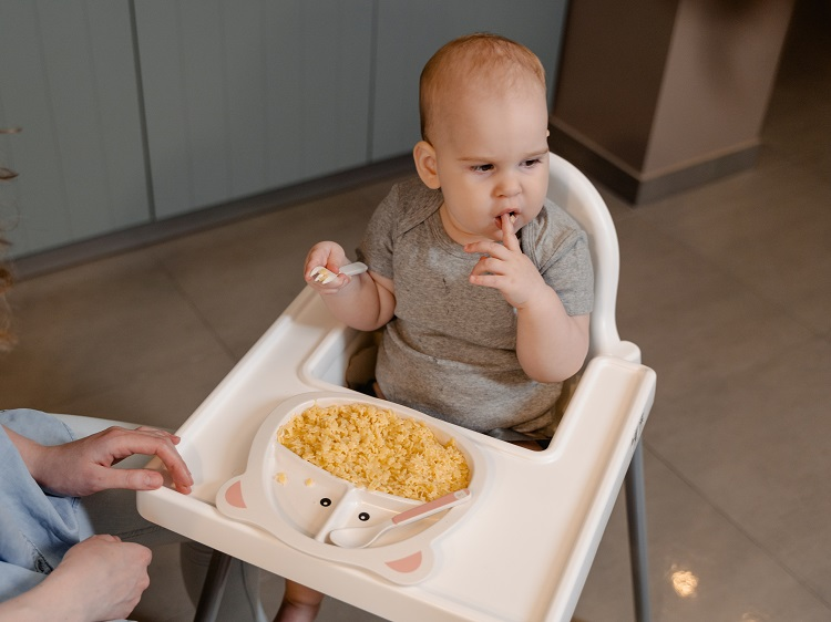 When Can Baby Use Restaurant High Chair